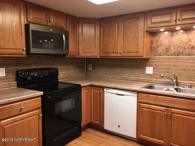 6152 E 12th Avenue #B1, Anchorage, AK 99504 (MLS #18-12464) :: RMG Real Estate Network | Keller Williams Realty Alaska Group