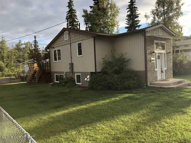 2021 Esquire Avenue, Fairbanks, AK 99709 (MLS #18-14376) :: Northern Edge Real Estate, LLC