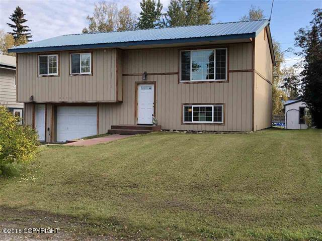 2003 Carr Avenue, Fairbanks, AK 99709 (MLS #18-15592) :: Northern Edge Real Estate, LLC