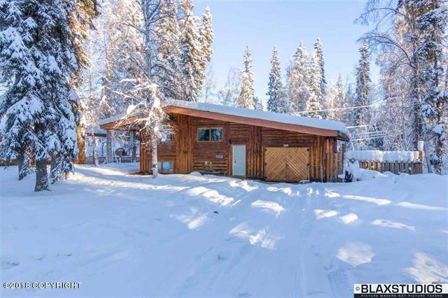 2420 Schutzen Street, North Pole, AK 99705 (MLS #18-1748) :: Channer Realty Group