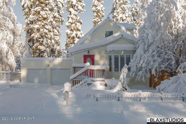 424 Glacier Avenue, Fairbanks, AK 99701 (MLS #18-1800) :: Northern Edge Real Estate, LLC