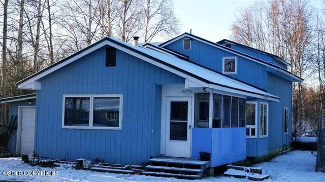 1071 Victor Street, North Pole, AK 99705 (MLS #18-18649) :: Team Dimmick
