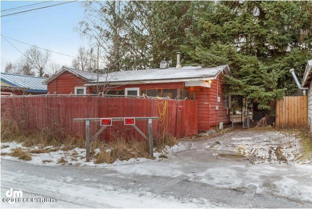 2440 Cottonwood Street, Anchorage, AK 99508 (MLS #18-19431) :: Team Dimmick