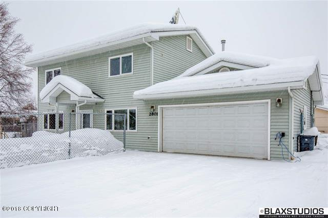 2801 Barnette Street, Fairbanks, AK 99701 (MLS #18-3357) :: Channer Realty Group