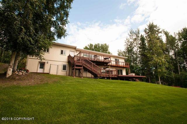 511 Hagelbarger Avenue, Fairbanks, AK 99712 (MLS #18-4090) :: Core Real Estate Group