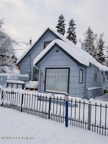 218 Driveway Street, Fairbanks, AK 99701 (MLS #18-4091) :: Northern Edge Real Estate, LLC