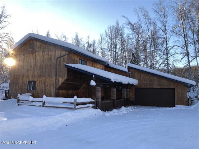 1921 Raven Drive, Fairbanks, AK 99709 (MLS #18-4205) :: Core Real Estate Group