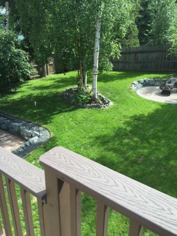2640 Bell Circle, Anchorage, AK 99507 (MLS #18-4264) :: Northern Edge Real Estate, LLC
