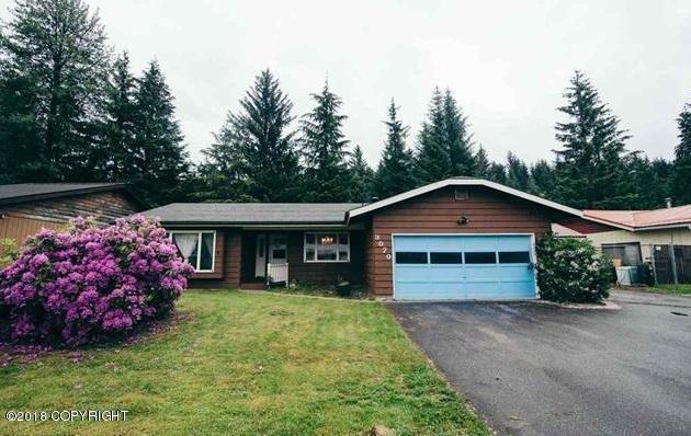 3070 Riverwood Drive, Juneau, AK 99801 (MLS #18-4452) :: Northern Edge Real Estate, LLC