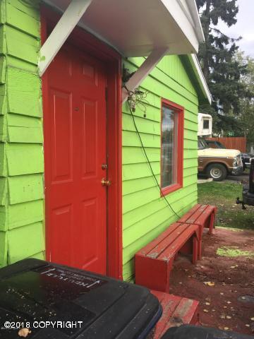 108 N Bliss Street, Anchorage, AK 99508 (MLS #18-4852) :: Northern Edge Real Estate, LLC