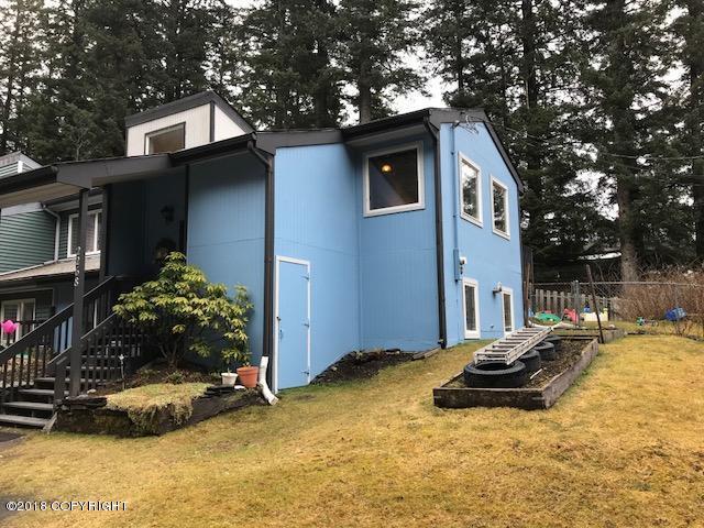 2268 Beaver Lake Loop Road, Kodiak, AK 99615 (MLS #18-5964) :: Team Dimmick