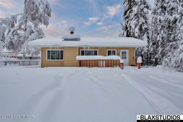 3113 Totem Drive, Fairbanks, AK 99709 (MLS #18-975) :: RMG Real Estate Network | Keller Williams Realty Alaska Group