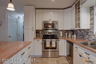 2211 W 47 Avenue, Anchorage, AK 99517 (MLS #19-10261) :: Roy Briley Real Estate Group