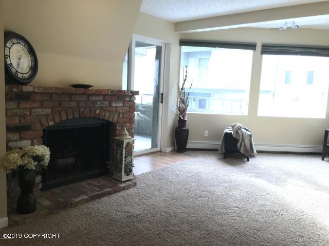 1210 E 16th Avenue #12, Anchorage, AK 99501 (MLS #19-13657) :: RMG Real Estate Network | Keller Williams Realty Alaska Group
