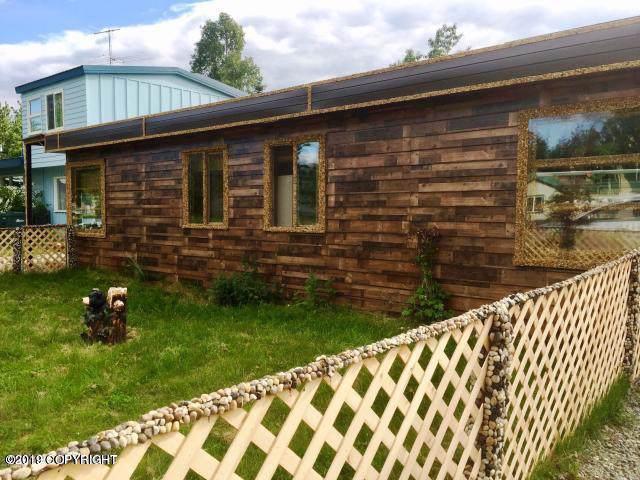 3902 Lois Drive A, Anchorage, AK 99517 (MLS #19-15983) :: Core Real Estate Group