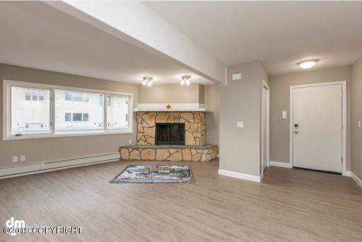 11429 Heritage Court #6, Eagle River, AK 99577 (MLS #19-17360) :: Alaska Realty Experts