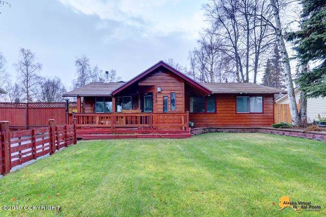 3210 W 79th Avenue, Anchorage, AK 99502 (MLS #19-18061) :: Wolf Real Estate Professionals