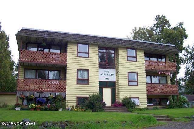 1407 W 47th Avenue #4, Anchorage, AK 99503 (MLS #19-19279) :: RMG Real Estate Network | Keller Williams Realty Alaska Group