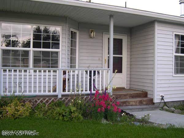 545 S Williwaw Drive, Palmer, AK 99645 (MLS #19-19400) :: Roy Briley Real Estate Group