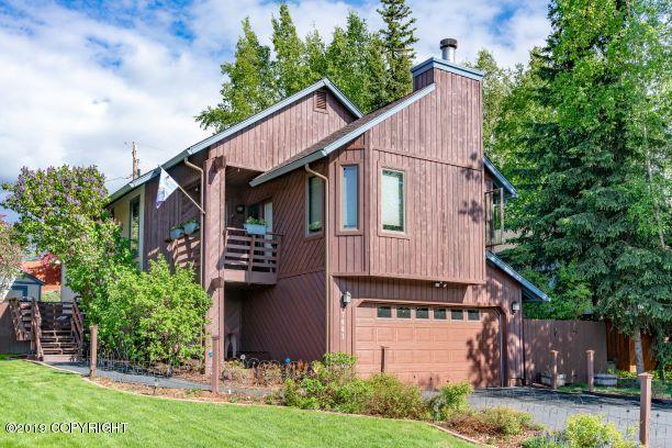 7441 Solarset Circle, Anchorage, AK 99507 (MLS #19-2503) :: RMG Real Estate Network | Keller Williams Realty Alaska Group
