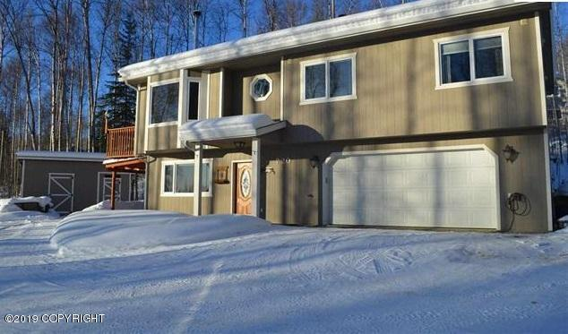 720 Suncrest Drive, Fairbanks, AK 99712 (MLS #19-2938) :: RMG Real Estate Network | Keller Williams Realty Alaska Group