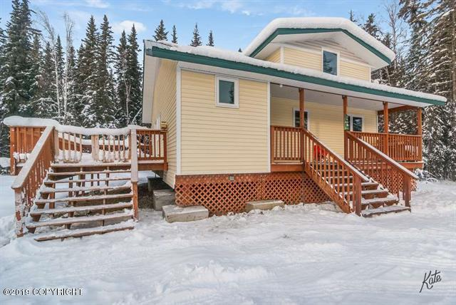 1025 Water Thrush Drive, Fairbanks, AK 99712 (MLS #19-3180) :: The Adrian Jaime Group | Keller Williams Realty Alaska