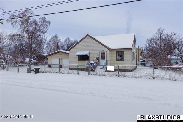 1022 4th Avenue, Fairbanks, AK 99701 (MLS #19-5679) :: Roy Briley Real Estate Group