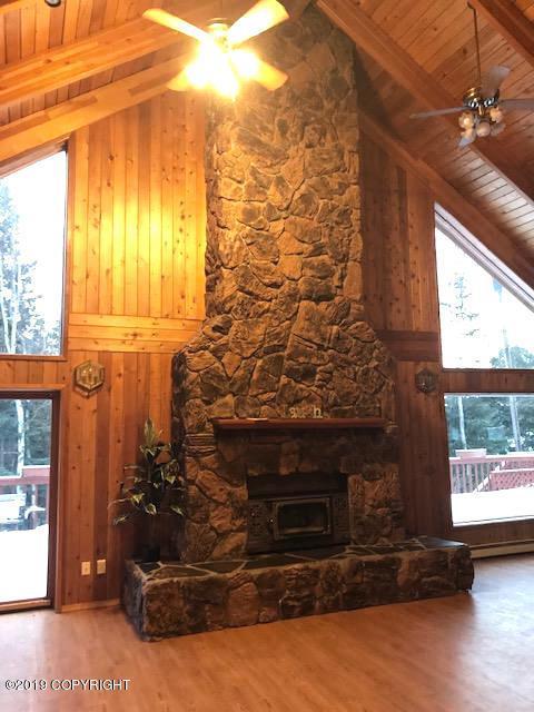 8483 Sundi Drive, Anchorage, AK 99502 (MLS #19-672) :: Alaska Realty Experts