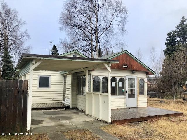 508 N Bunn Street, Anchorage, AK 99508 (MLS #19-6914) :: Roy Briley Real Estate Group