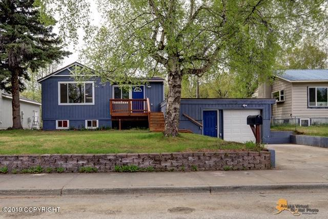 1412 Columbine Street, Anchorage, AK 99508 (MLS #19-7840) :: Alaska Realty Experts