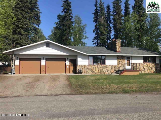 81 C Street, Fairbanks, AK 99701 (MLS #19-8136) :: Team Dimmick