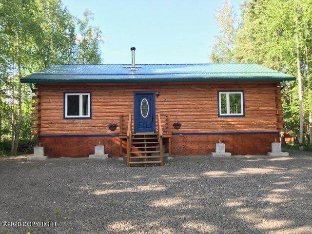 1348 Still Valley Road, North Pole, AK 99705 (MLS #20-10605) :: Wolf Real Estate Professionals