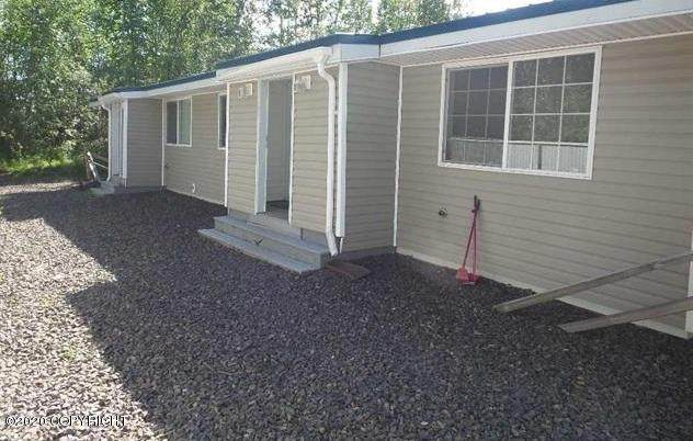 298 W 5th Avenue, North Pole, AK 99705 (MLS #20-11391) :: RMG Real Estate Network | Keller Williams Realty Alaska Group