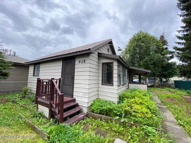 928 E 9th Avenue, Anchorage, AK 99501 (MLS #20-12379) :: RMG Real Estate Network | Keller Williams Realty Alaska Group