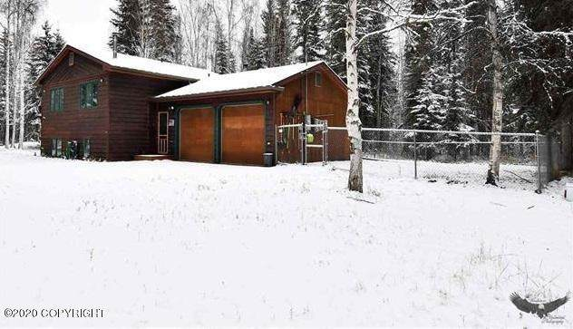 3371 Alpine Court, North Pole, AK 99705 (MLS #20-16310) :: Wolf Real Estate Professionals