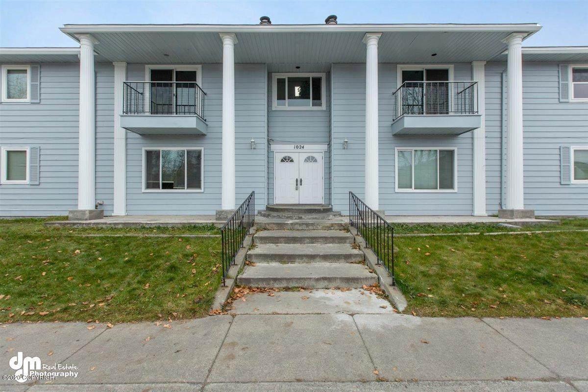 1024 Hoyt Street - Photo 1