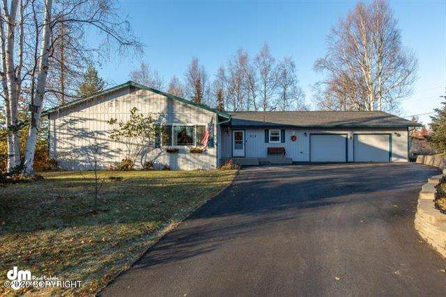 1801 Jarvis Avenue, Anchorage, AK 99516 (MLS #20-17355) :: Alaska Realty Experts
