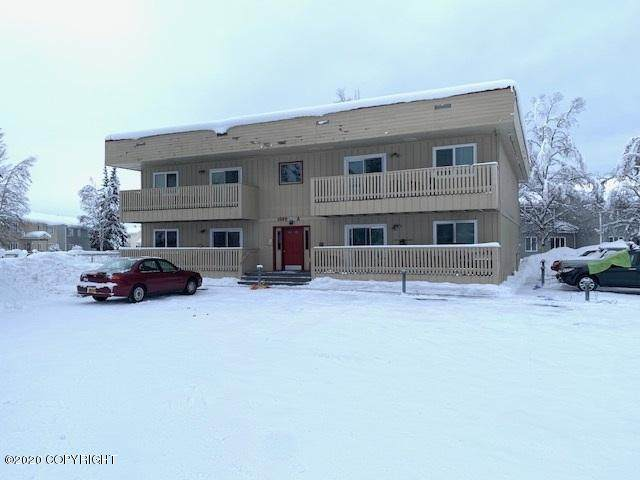 1600 Washington Drive #2, Fairbanks, AK 99709 (MLS #20-2050) :: Powered By Lymburner Realty
