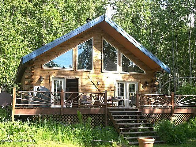 410 N Freeman Road, North Pole, AK 99705 (MLS #20-9114) :: Wolf Real Estate Professionals