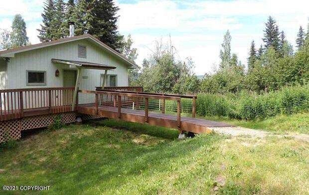 1039 Ballaine Road, Fairbanks, AK 99709 (MLS #21-11028) :: Alaska Realty Experts
