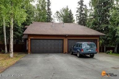 9401 Stuart Circle, Eagle River, AK 99577 (MLS #21-11558) :: Alaska Realty Experts