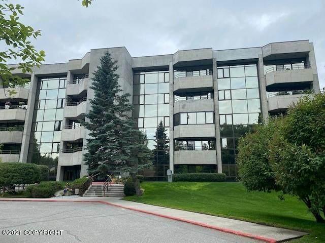 600 W 76th Avenue #508, Anchorage, AK 99518 (MLS #21-12040) :: Team Dimmick
