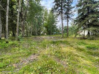 140 N Pine Street, Anchorage, AK 99508 (MLS #21-12630) :: Alaska Realty Experts