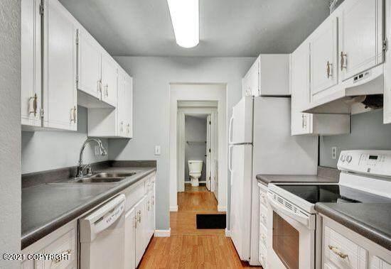 4433 San Ernesto Avenue #211B, Anchorage, AK 99508 (MLS #21-14624) :: Daves Alaska Homes