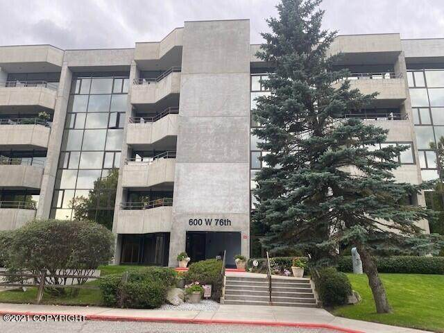 600 W 76th Avenue #504, Anchorage, AK 99518 (MLS #21-14693) :: Wolf Real Estate Professionals