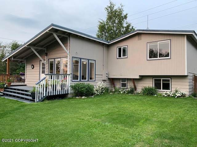 800 W 21st Avenue, Anchorage, AK 99503 (MLS #21-15496) :: Wolf Real Estate Professionals