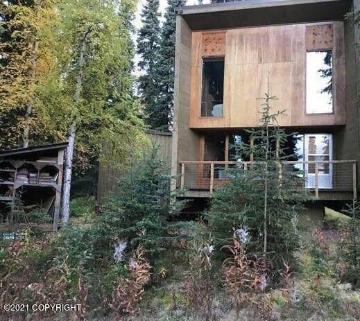 1757 Rise Road, Fairbanks, AK 99709 (MLS #21-16242) :: RMG Real Estate Network | Keller Williams Realty Alaska Group