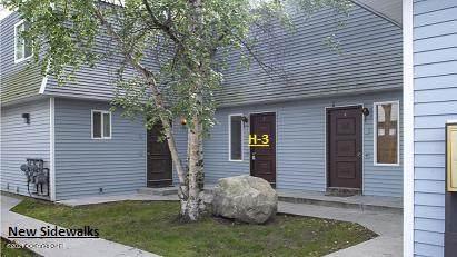 4014 Reka Drive H3, Anchorage, AK 99508 (MLS #21-2587) :: RMG Real Estate Network | Keller Williams Realty Alaska Group
