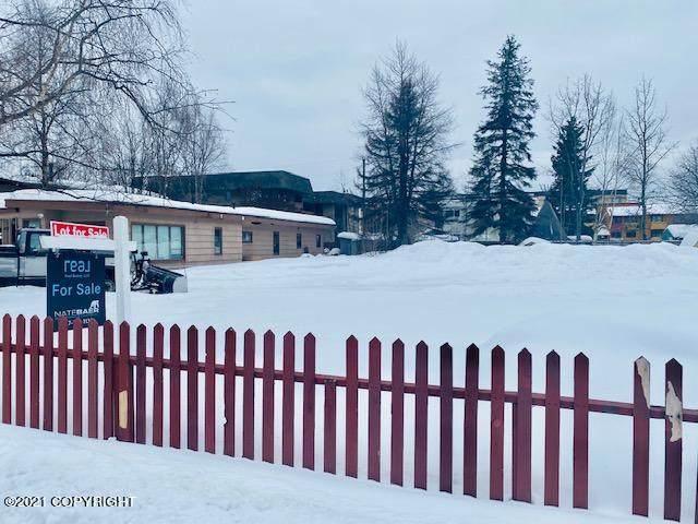 1042 W 25th Avenue, Anchorage, AK 99503 (MLS #21-3129) :: RMG Real Estate Network | Keller Williams Realty Alaska Group
