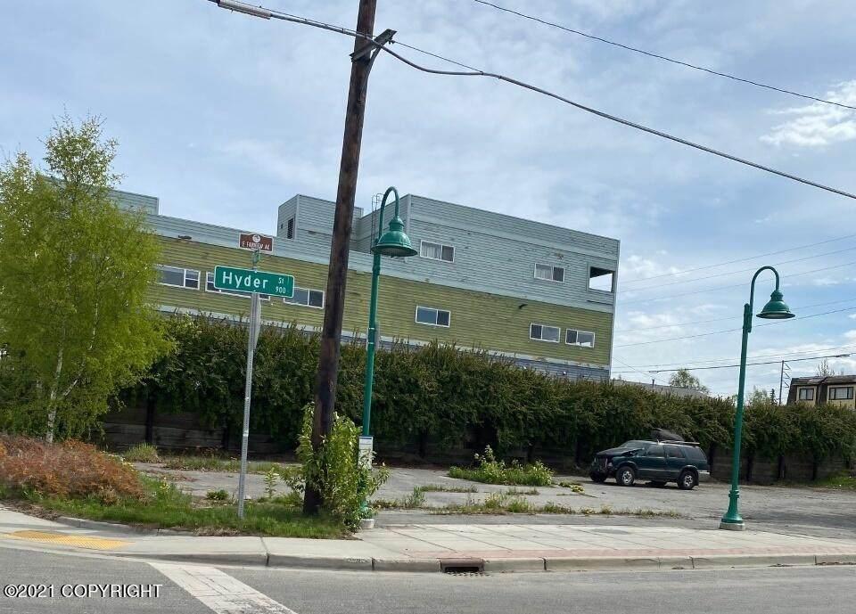 915 Hyder Street - Photo 1